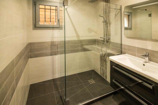 salle-de-bain-crolles-douche-italienne-carrelage-paroi-de-douche
