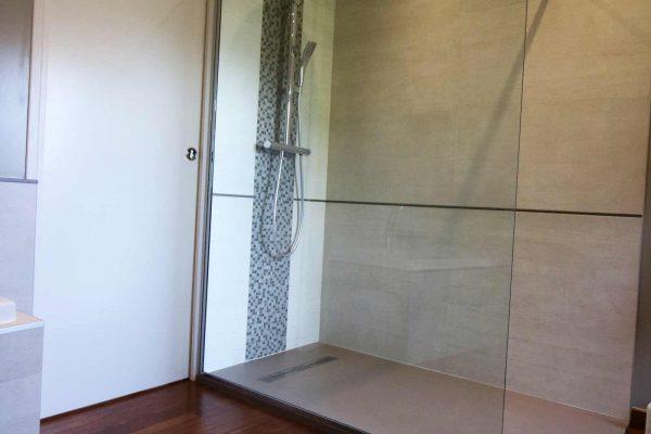 salle-de-bain-grenoble-merbau-grande-douche-paroi-de-douche-colonne-de-douche