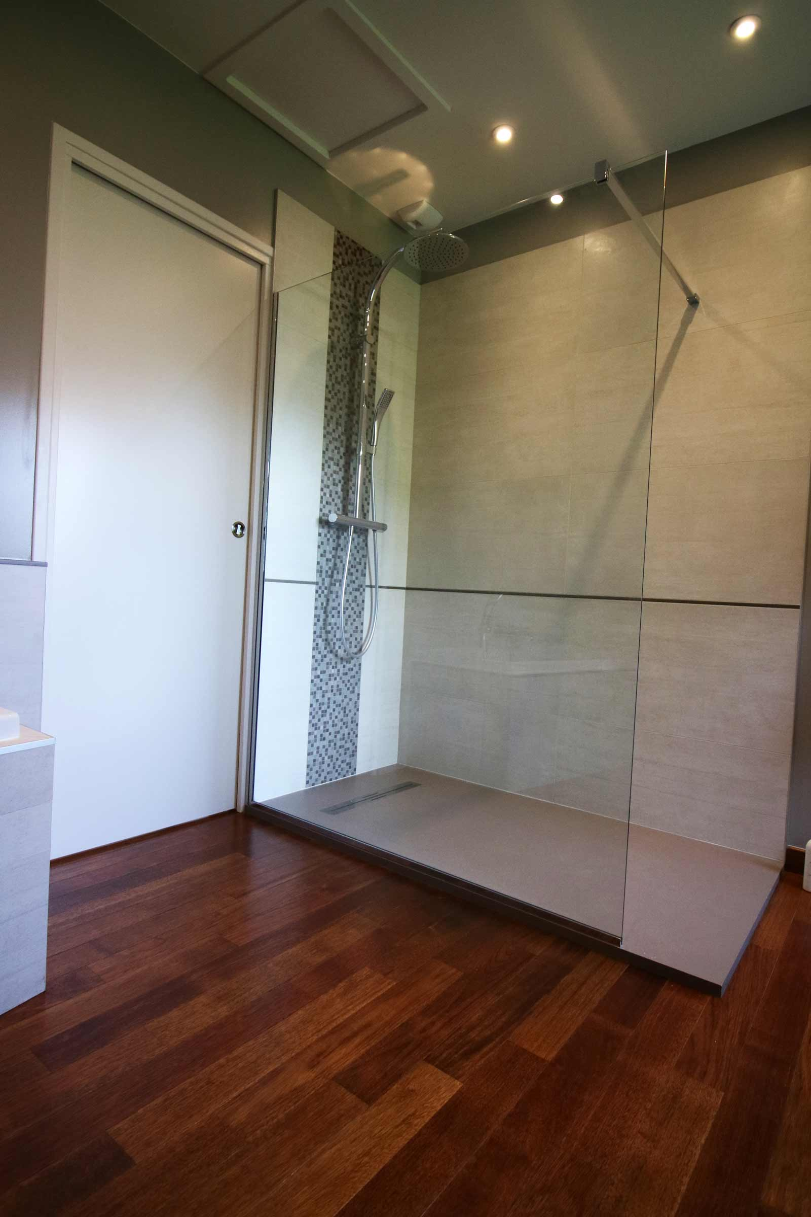 salle-de-bain-grenoble-merbau-grande-douche-paroi-de-douche-colonne ...