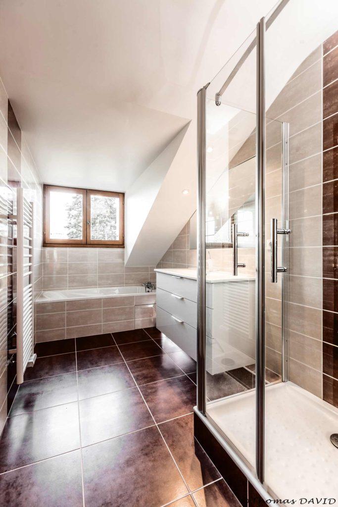 La lumière pour votre petite salle de bain