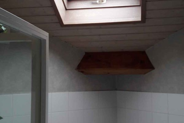 Salle de bain avant rénovation par les artisans ar'interieur